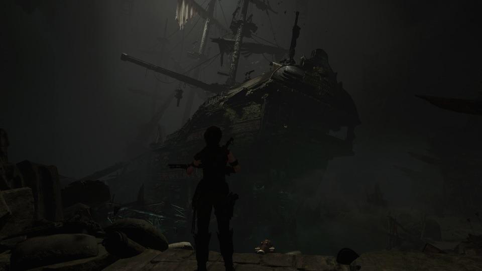 Ein komplettes Schiff-Wrack als Schauplatz für eines der Gräber.