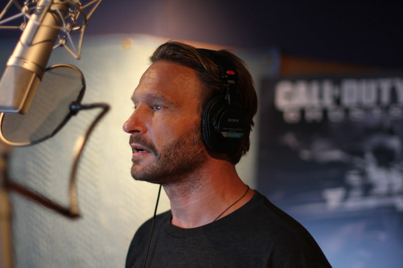 Thomas Kretschmann als Synchronstimme bei Call of Duty: Ghosts